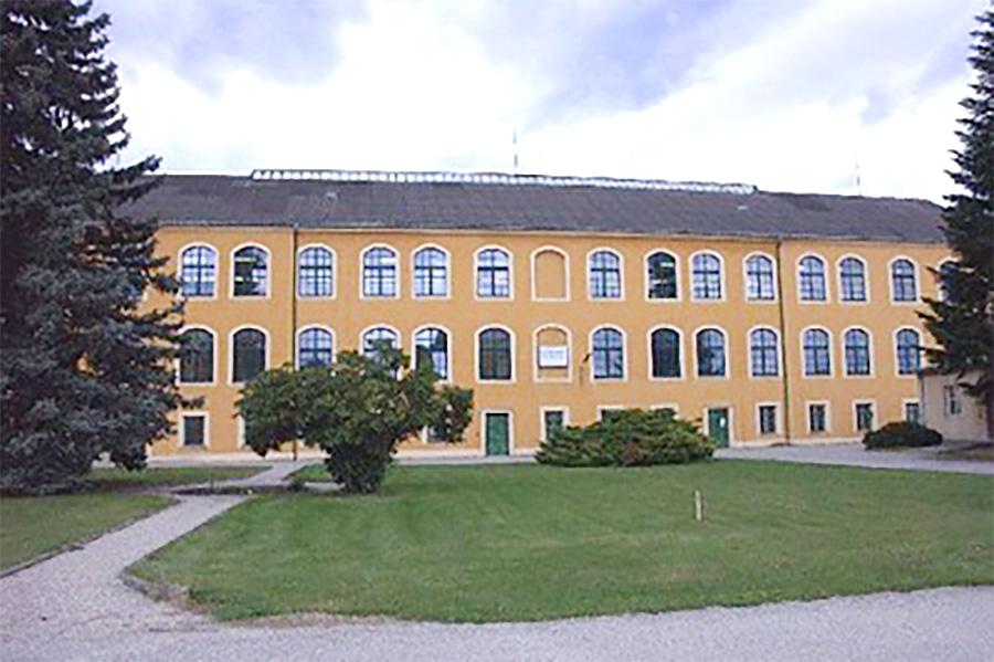 Das petWALK Firmengebäude von außen.